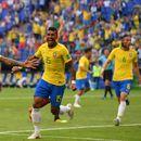 Селекторот на Бразил исчисти осум ѕвезди од фудбалската селекција