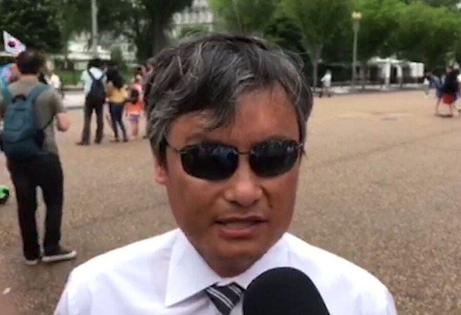 资料照:在美国的盲人法律学者陈光诚