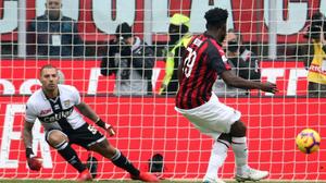 Milan: stiramento al flessore per Kessie, a rischio la prima di campionato contro la Sampdoria