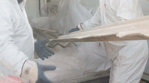 Amianto 107 milioni alla Sicilia per rimozione scuole ospedali