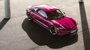 Porsche Taycan MY 2022, più autonomia e più connettività