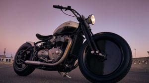 Triumph Bobber, dalla California la 'special' Baak Moon