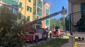 Incendi: fiamme in palazzo Trieste, due intossicati