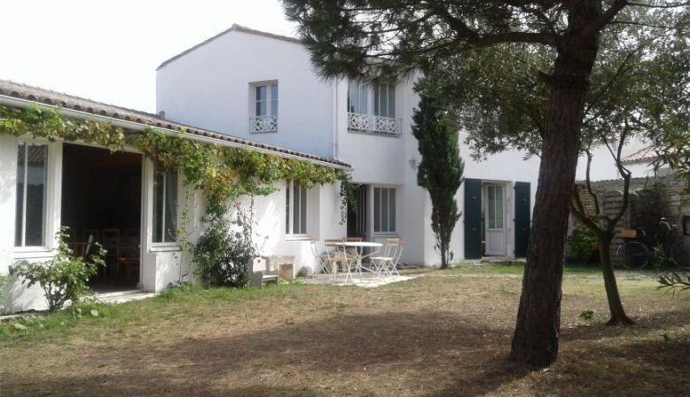 Maison île de Ré ,centre village Loix, 10couchages