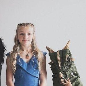 Instagram семејство: Мајка позира со ќерките во исти и интересни комбинации