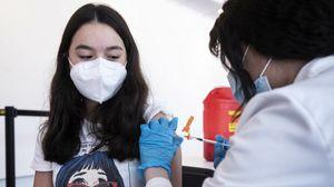Sul vaccino decide l'adolescente non il genitore, ecco perché secondo il Comitato di bioetica