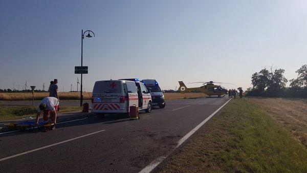 Zwei Mopedlenker (15) bei Unfall teils schwer verletzt