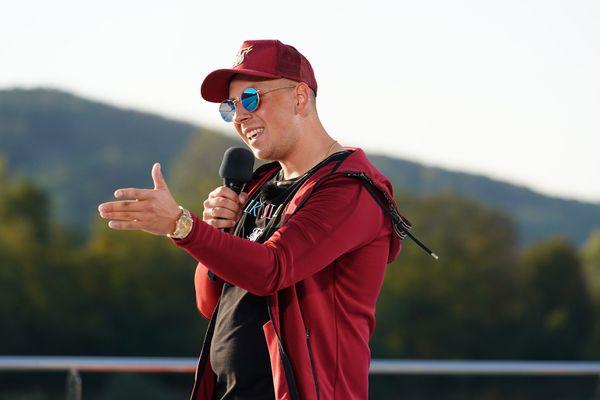 Pietro singt Wendler-Song, aber niemand hört ihn
