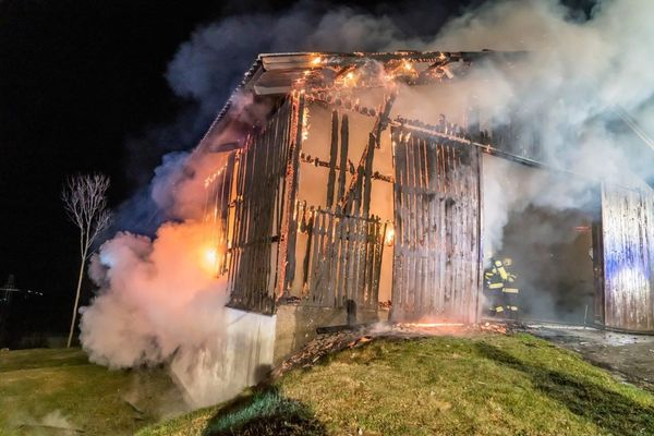 Junger Zündler (18) nach drei Bauernhofbränden gefasst