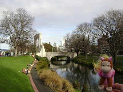 Ponkey at The Bridge of Remembrance over the River Avon.
