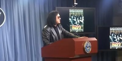 Gene Simmons delivers emotional speech: Don't Be Ashamed To Say God Bless America