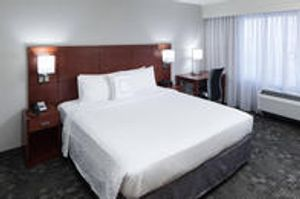 Image 8 | Courtyard by Marriott Alexandria Old Town/Southwest