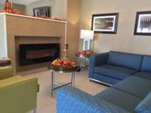 Image 4 | Holiday Inn Express Chicago NW - Arlington Heights