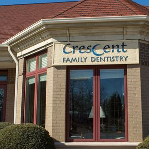Front entrance of Crescent Family Dentistry