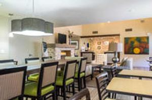 Image 9   Comfort Suites at Tucson Mall