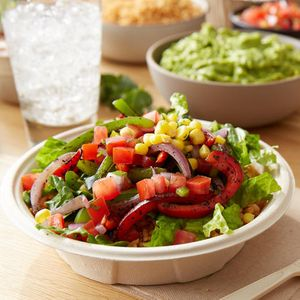 Salads are made with crisp romaine and can be topped with fresh ingredients like flame-grilled fajita vegetables, freshly-made pico de gallo and chile corn salsa and a protein of your choice.
