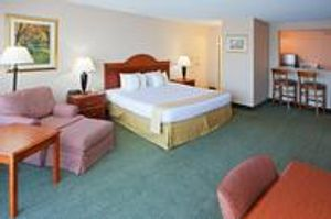 Image 4 | Holiday Inn Charlottesville-Univ Area