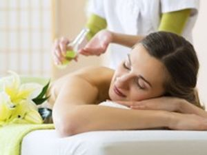 A massage therapist uses different techniques to relax the long, skeletal muscles of the body. There are many movements that the therapist can use, such as long strokes, circular motions, tapping, and kneading. During a hot stone massage, the techniques of a regular massage are applied.