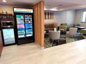 Image 4   Holiday Inn Express Queens - Maspeth