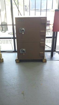 Image 10   SafeCo- Safes, Remotes and Keys