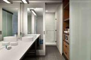 Double King Bathroom