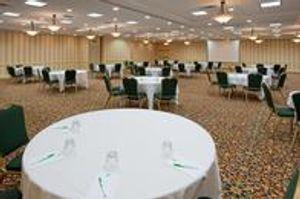 Image 10 | Holiday Inn Charlottesville-Univ Area