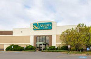 Image 2   Quality Inn Rosebud Casino
