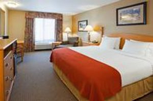 Image 9   Holiday Inn Express & Suites Custer