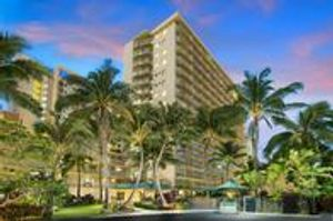 Image 3 | Courtyard by Marriott Waikiki Beach