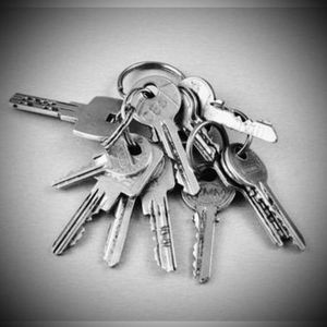 Do you have a wad of keys like this? We can simplify your life and rekey your entire home to one, Yes only one ! Call us today for a quote or to schedule an appointment 949-527-6363 #orangecountylocksmith #residentiallocksmith #locksmith