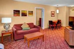 Image 5 | TownePlace Suites by Marriott Cleveland Airport