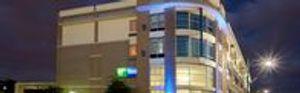 Image 2 | Holiday Inn Express & Suites San Antonio Rivercenter Area