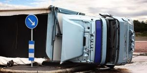 How Air Cushion Recovery Helps Salvage Wrecked Semis