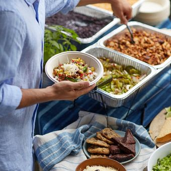 Catering is easy with customizable hot bars that come with fresh and flavorful ingredients to satisfy everyone.