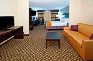 Image 9 | Holiday Inn Express & Suites Jackson/Pearl Intl Airport