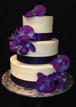 Image 4   Wedding Cakes by Tammy Allen