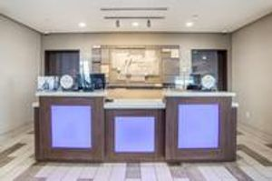 Image 9 | Holiday Inn Express & Suites Tulsa East - Catoosa, an IHG Hotel