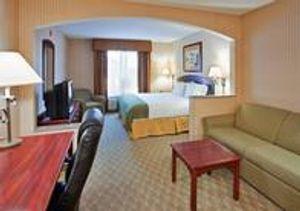 Image 3   Holiday Inn Express & Suites Lansing-Leavenworth, an IHG Hotel