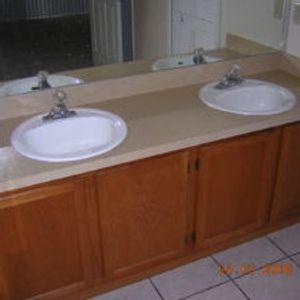 Fresh New Look: Vanity countertop AFTER resurfacing