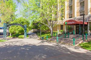 Image 2 | Holiday Inn Sacramento Downtown - Arena