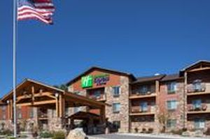 Image 2   Holiday Inn Express & Suites Custer