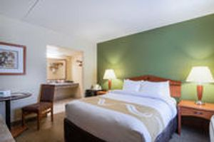 Image 9   Quality Inn