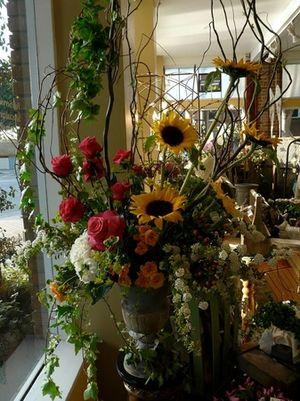 flowers, Tustin, CA 92780