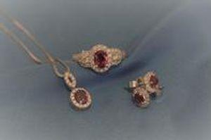 Matching jewlery sets make the perfect gifts!