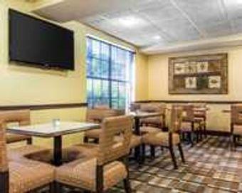 Image 21 | Comfort Inn & Suites Ballpark Area