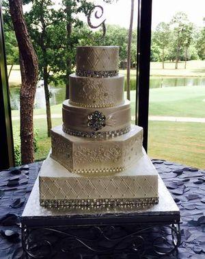 Image 6   Wedding Cakes by Tammy Allen
