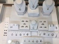 expert jeweler with over 40 years of jewelry repair experience