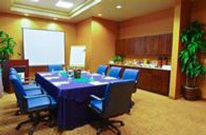 Image 7 | Holiday Inn & Suites Phoenix Airport, an IHG Hotel