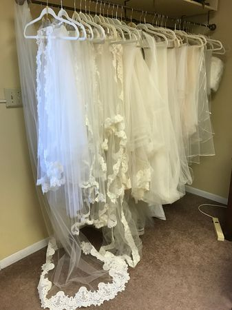 Custom design your bridal veil and headpiece with our bridal experts today.