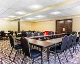 Image 15 | Comfort Inn & Suites Ballpark Area